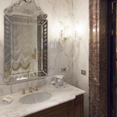 Rivestimenti, pavimenti e lavorati in marmo Calacatta Oro