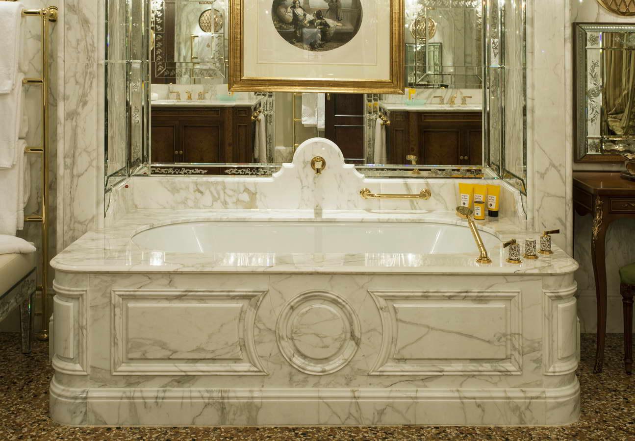 vasca da bagno in marmo calacatta 2